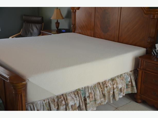 Tempur-pedic king size matress (12 inches)