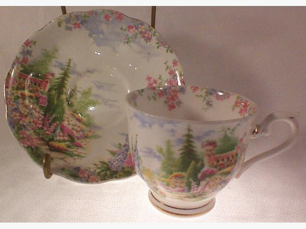 Royal Albert Kentish Rockery teacup & saucer