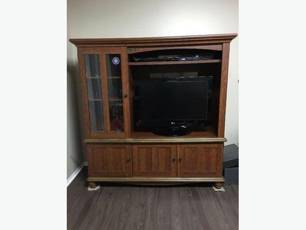 Sauder Entertainment Centre - TV stand