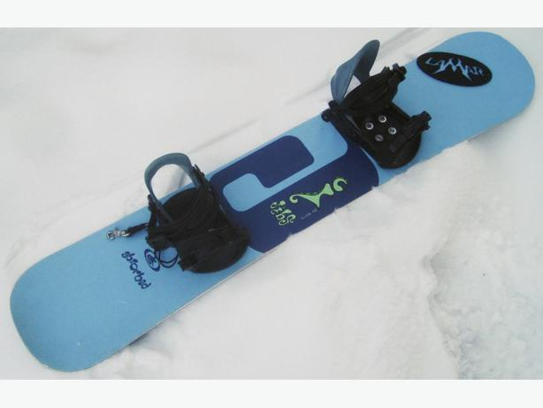 142cm Jibs Style Snowboard ~ ABSORBED