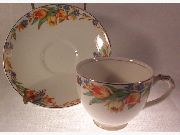 Empire tulips teacup & saucer