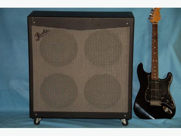 FENDER MUSTANG V, Celestion Speaker Cab 4 x 12 for guitar