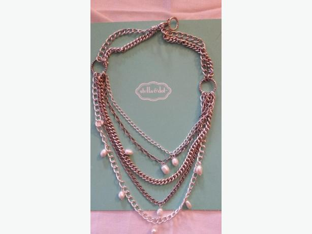 Necklace Stella and dot Avery chain and pearl and silver