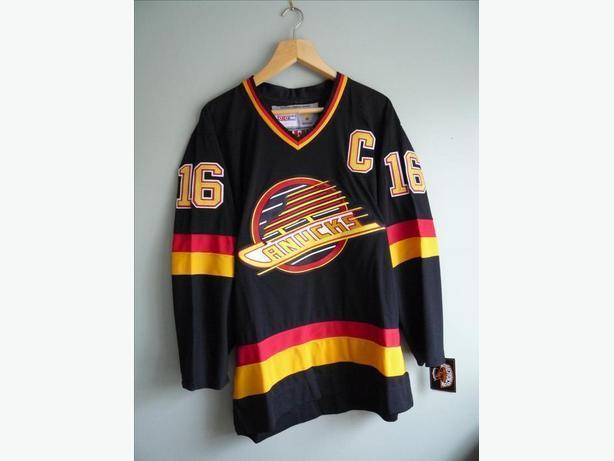 NHL HOCKEY VANCOUVER CANUCKS RETRO 1990s SKATE LOGO JERSEY TREVOR LINDEN