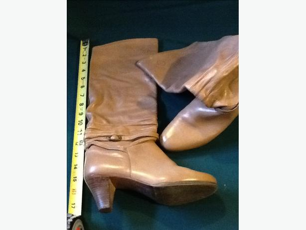 Pablito Tan Leather Boots Size 7