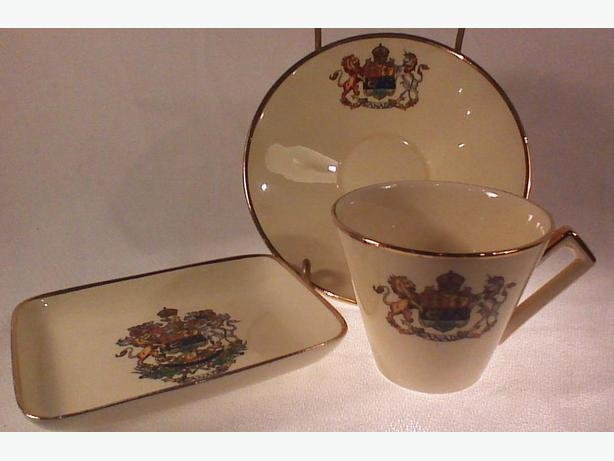 Royal Winton Canada teacup, saucer & dish