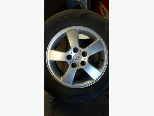 "16"" USED HYUNDAI ALLOY WHEELS..  A+ SHAPE"