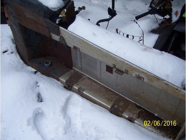 Skidoo Citation 4500 Moto Ski Mirage ll tunnel frame body