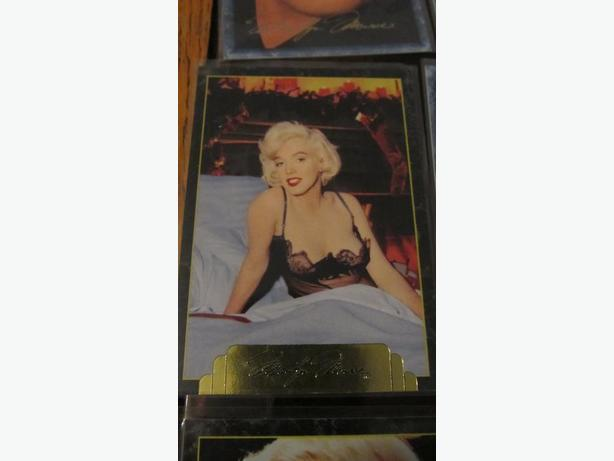 SMALL MARILYN MONROE COLLECTOR CARDS