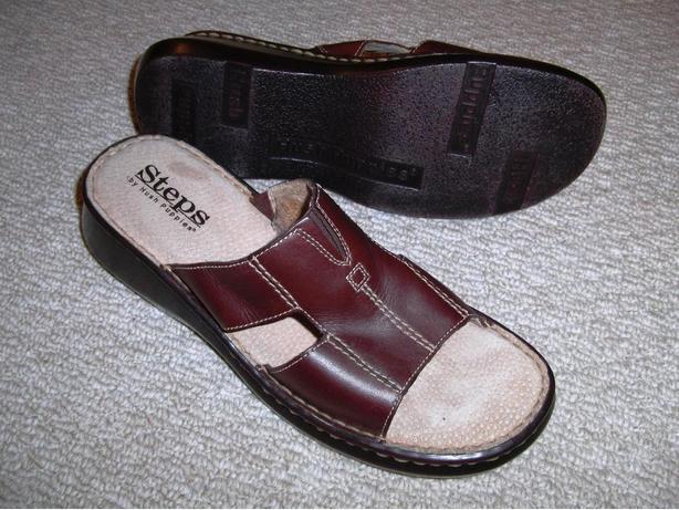 "Hush Puppy ""Steps"" Sandals Size 10"
