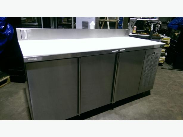 BAKER/BUTCHERS REFRIGERATED PREP TABLES.#304 STAINLESS STEEL