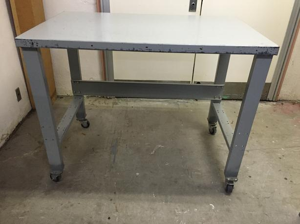 Work Bench, all metal with 4 swivel casters. Very strong and solid tables.
