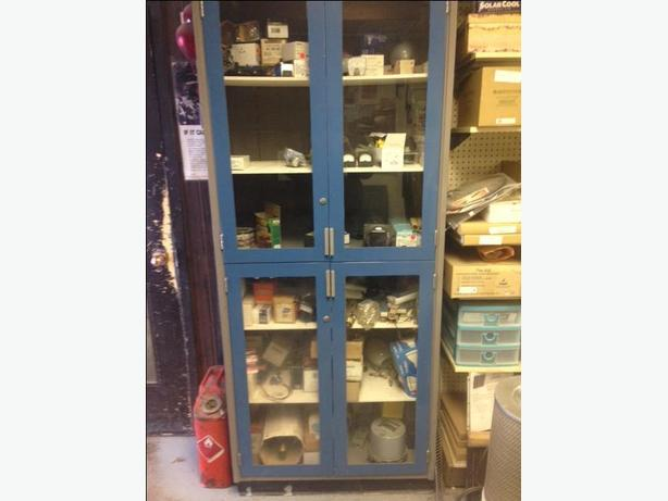 CABINET with WINDOWS & LOCKS