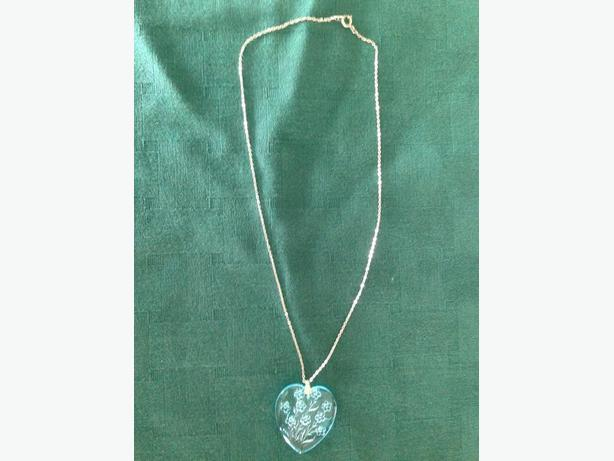 "18"" Nickel Silver Necklace with Blue Heart with floral pattern"