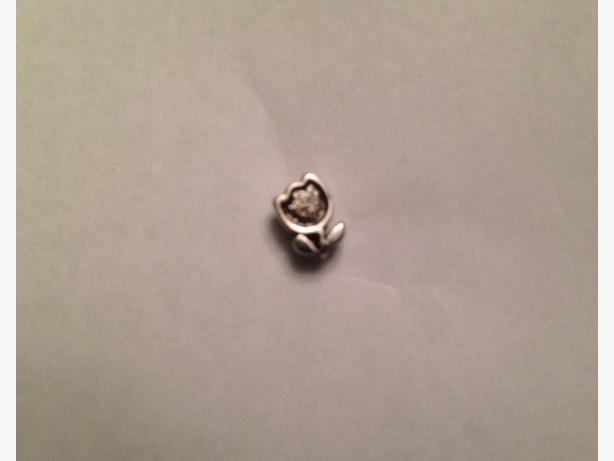 Small Tulip Pin / Broach