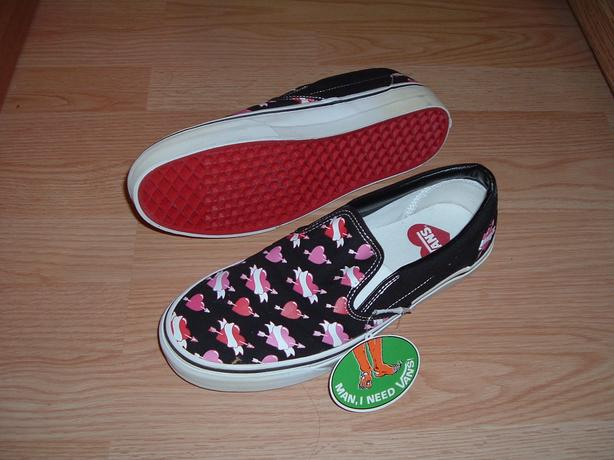 Vans shoes women's 10.5 / Men's 9 -  *Brand New with tags & box*