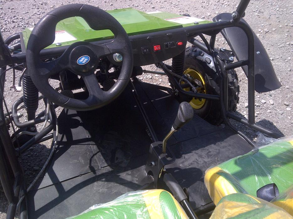 Brand new kids teen 4 seater dunebuggy go cart john deere for Go kart interieur montreal