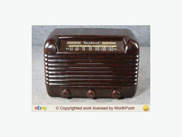 Sentinel 313W Bakelite 1948 Antique Radio