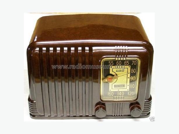 RCA 45x11 Bakelite Antique Radio 1940