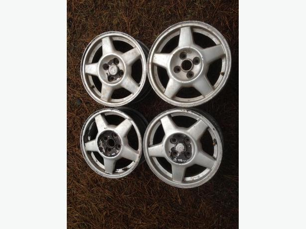 "4 15"" alloy rims"