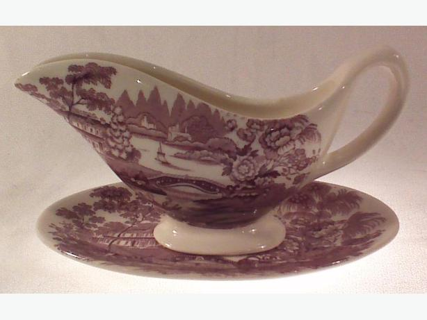 Royal Staffordshire sauce boat with underplate
