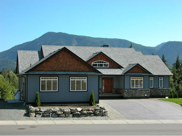 Custom Built Home In Lake Cowichan @ 413 Winter Dr.
