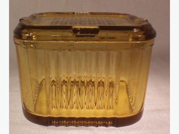 Federal Glass amber refrigerator box