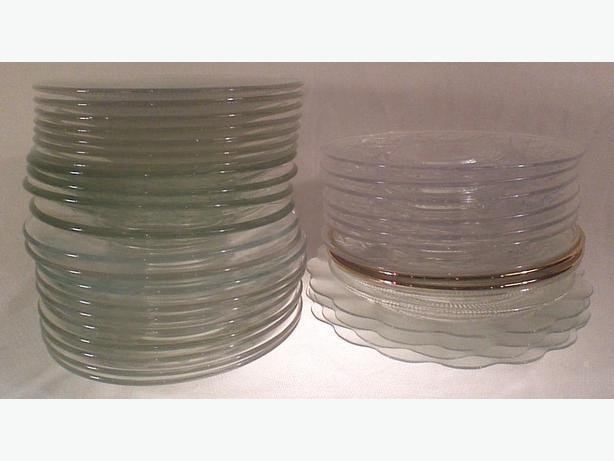Assorted clear glass plates