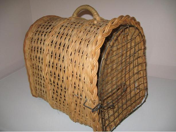 Vintage Wicker Cat Carrier