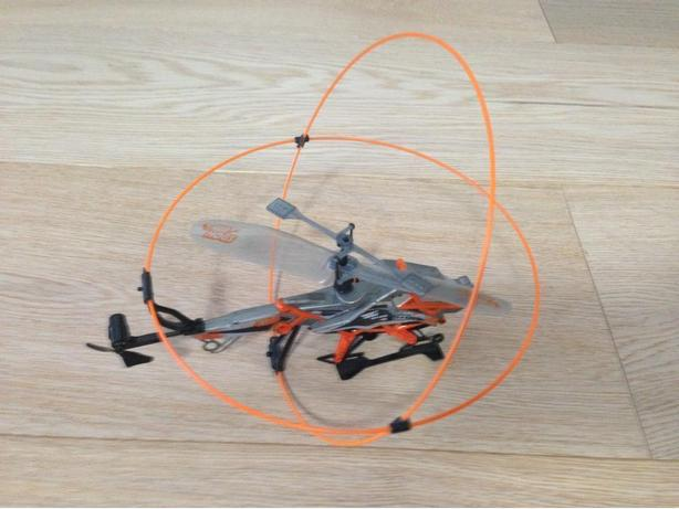 Heli cage helicopter