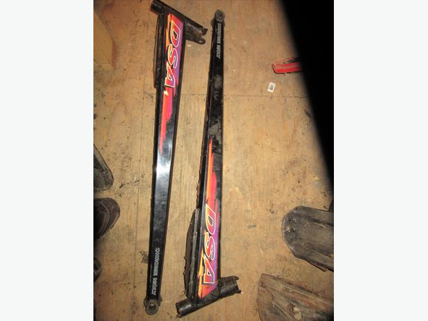 Skidoo Mach 1 Mach Z trailing arm swing arm left and right MINT