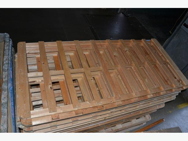 FREE: Dry WOOD, straight flat pieces - FREE