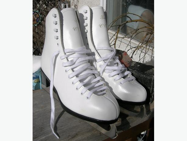 Ladies CCM SPIRALE Ice Figure Skates Size 6 VGC