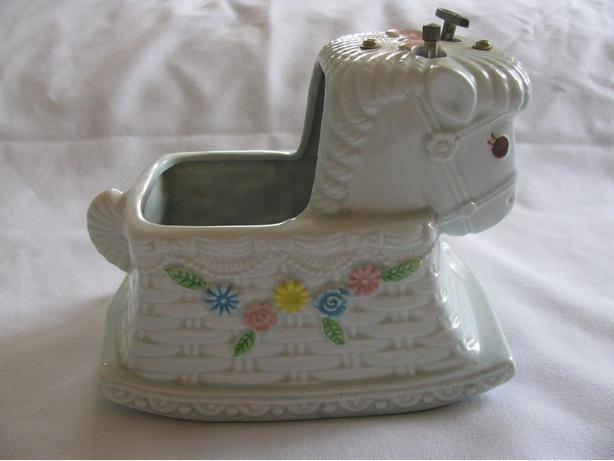 Vintage Napoware Musical Brahms Lullaby Nursery Horse Headvase Planter Ornament