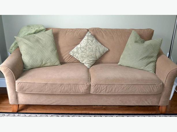 really nice condo sofa in really great condition