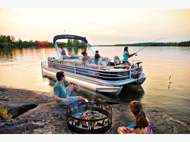 NEW 2016 Sun Tracker Fishin' Barge 24 DLX