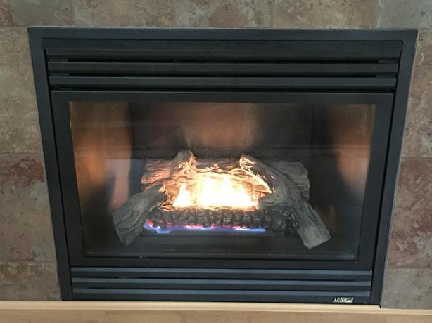 Lennox Gas Fireplace heater with fan - Lennox Gas Fireplace Heater With Fan Esquimalt & View Royal, Victoria