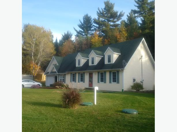 TWO STOREY HOME CANADIAN STYLE-VAL DES MONTS