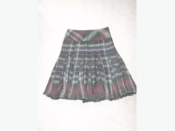 Ladies skirt from Le Chateau size 6-8 or XS