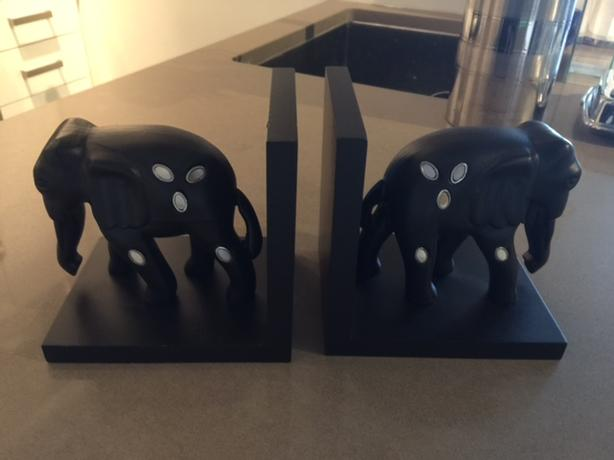 Elephant Book Ends