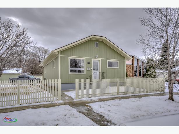 1103 Iroquois Street W, Moose Jaw