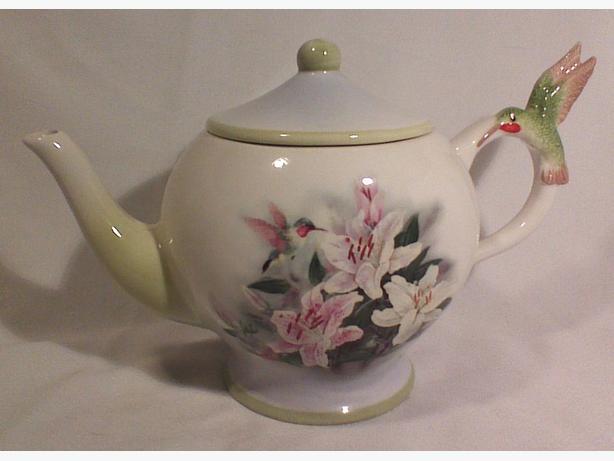 Lena Liu teapot