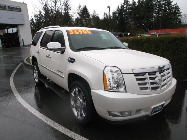 2008 cadillac escalade awd 8 passenger for sale outside cowichan valley cowichan mobile. Black Bedroom Furniture Sets. Home Design Ideas