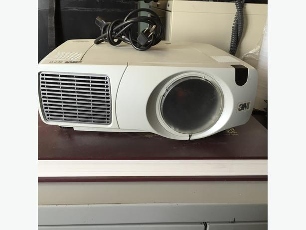 3M Video Projector model X70 3500 Lumens