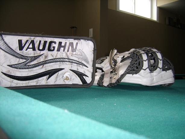 VAUGH VELOCITY  GOALIE  HOCKEY set, pads and blocker and glove