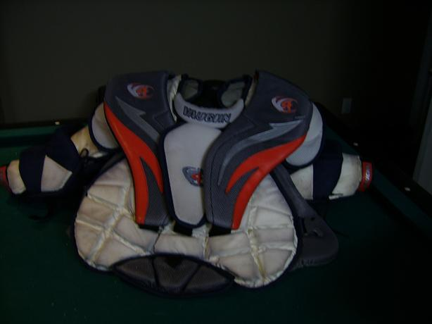VAUGH - GOALIE -  CHEST PROTECTOR