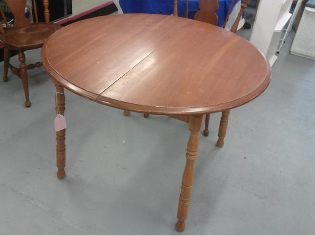 Wood Dining/Kitchen Table (Reduced ($48.00)