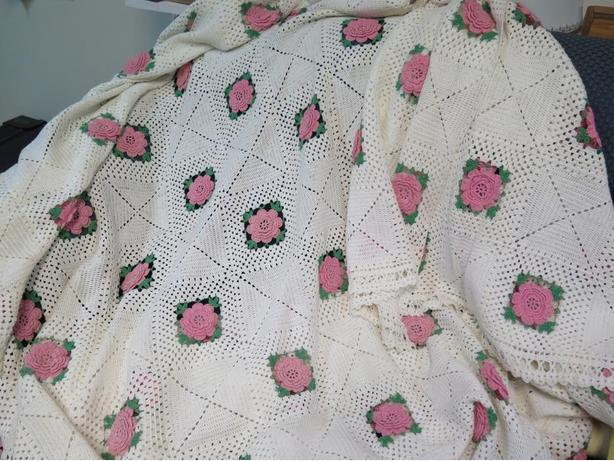 CROCHETED ROSE BED COVERLET PRICE DECREASE