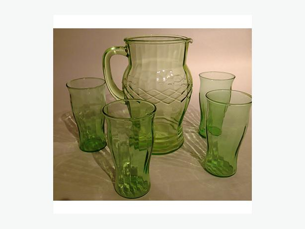 Green Anchor Hocking Depression glass pitcher & 4 glasses