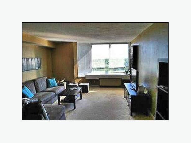 New Listing 1 Bedroom Condo On 12th Top Floor In